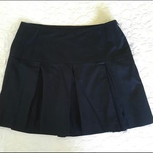 BANANA REPUBLIC Black Pleated Cotton Skirt Size 10